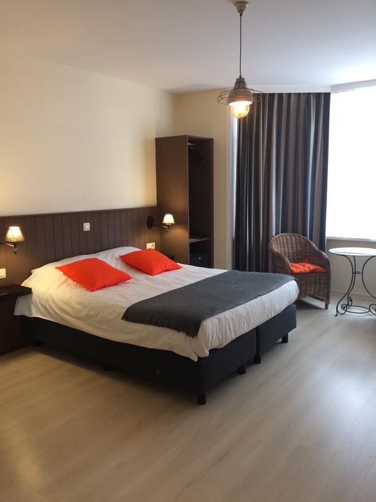 kamer hotel bnb geste ALice Westende Bad strand